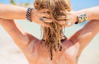 efekt morskich fal na włosach